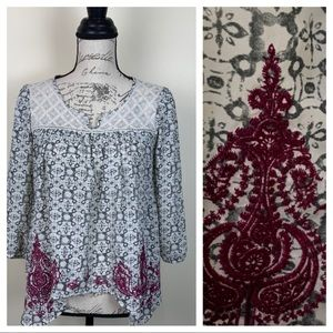Jolt Embroidered & Lace Accents Blouse Small